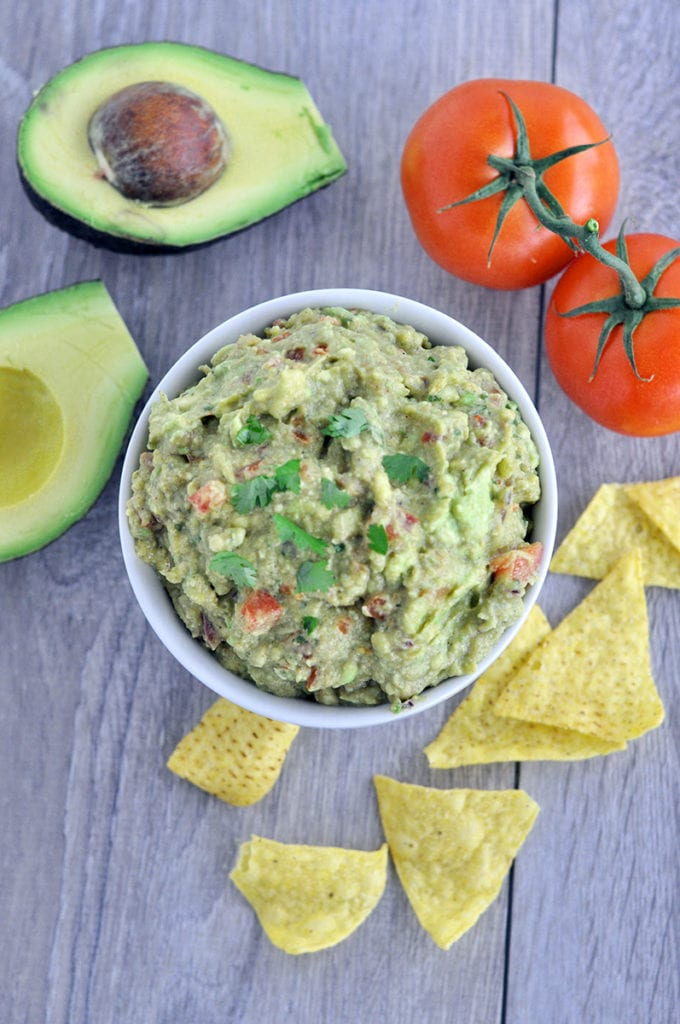 easy-homemade-guacamole-1