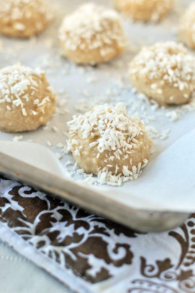 coconut vanilla meltaway cookies